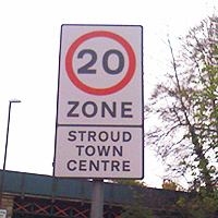 20 mile per hour sign in Stroud town centre